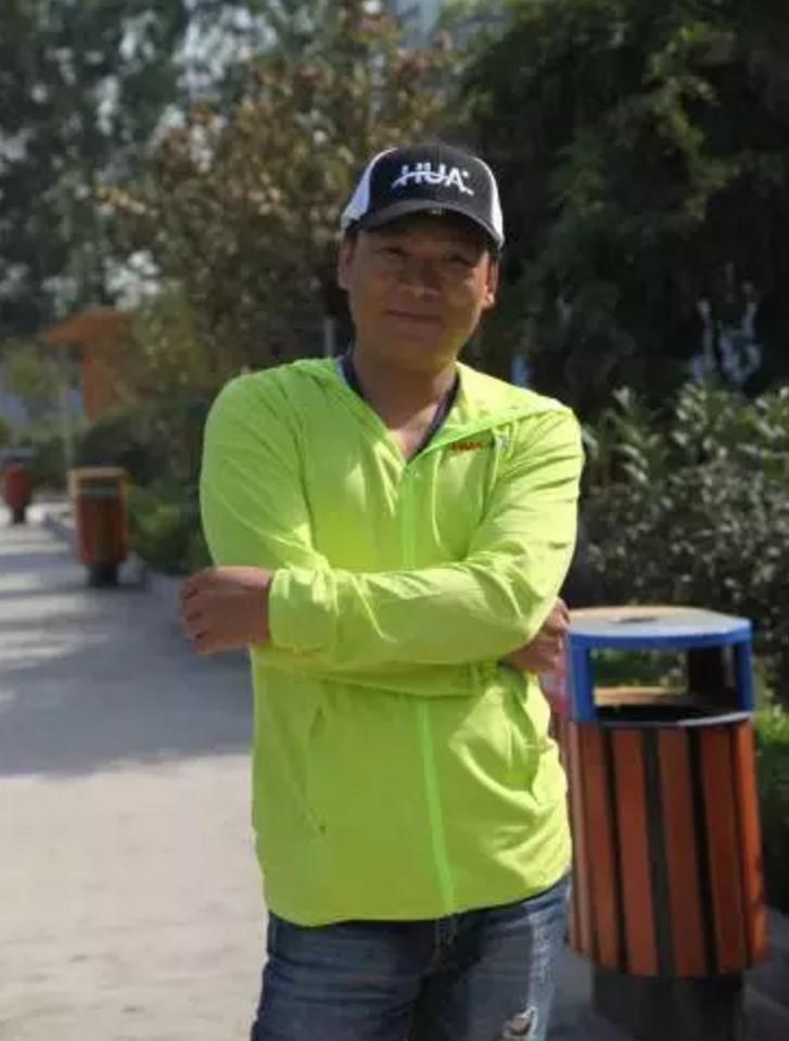 教练团队亮相 化绍新 化氏图片